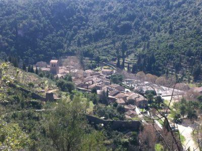 Saint Guilhem Le Désert : Le village