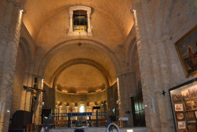 Saintes Maries de la Mer : Intérieur de l'église